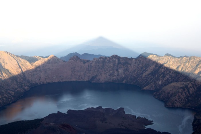 eclectic east rinjani shadow